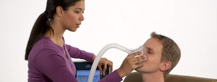 Video explaining Coughassist T70 airway clearance device by Philips