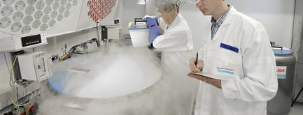 Cryocontainers sold by Air Liquide Healthcare